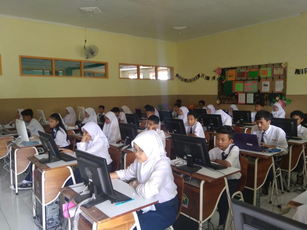 Gladih bersih UNBK 2020 SMPN 4 Malang